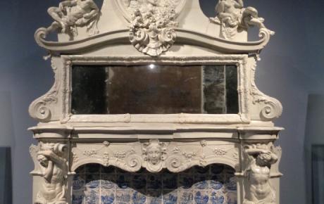 Camino in porcellana Manifattura di Doccia 1735